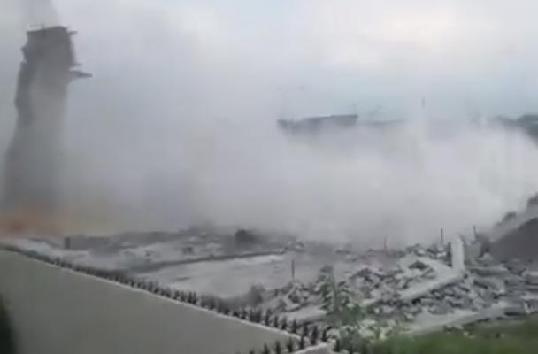 Derrumbe en Cumbres del Sol en Monterrey; reportan personas atrapadas: VIDEO