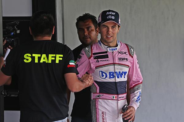 """""""Checo"""" Pérez admitió la alegría que le da correr en México, hecho que lo compromete más a buscar un resultado positivo. FOTO: CUARTOSCURO"""