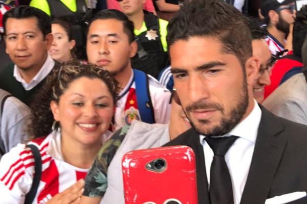 Aseguran es una película relevante para todos los seguidores del futbol. FOTO: @Chivas