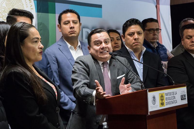 PRD corre a personal de confianza. FOTO: MISAEL VALTIERRA /CUARTOSCURO.COM