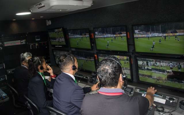 LISTO. El VAR se pone en marcha esta noche en el Estadio Jalisco. Foto: Cuartoscuro