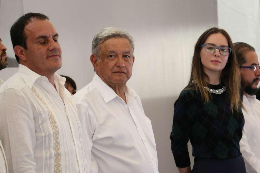 Andrés Manuel López Obrador, presidente electo de Mexico, se reunió con habitantes de Morelos en el zócalo de Cuernavaca donde dio a conocer su propuesta de gobierno.  FOTO: SAÚL LÓPEZ /CUARTOSCURO.COM