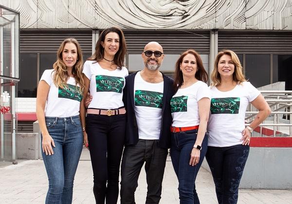 El diseñador venezolano presenta hoy su desfile a beneficio del Instituto Nacional de Pediatría, acompañado por las damas del Patronato. Foto: Yaz Rivera