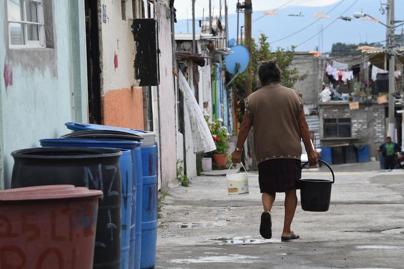 El 45 por ciento de los 2.07 millones de usuarios registrados en el padrón del Sacmex no pagan el agua. Foto: Leslie Pérez / El Heraldo de México