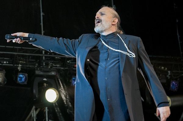 El cantante español reside desde hace poco en México. Foto: Especial