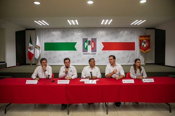 Nosotros, como partido político, puntualizó Zamora Jiménez, lo único que queremos es que haya autoridades completamente. Foto: Especial