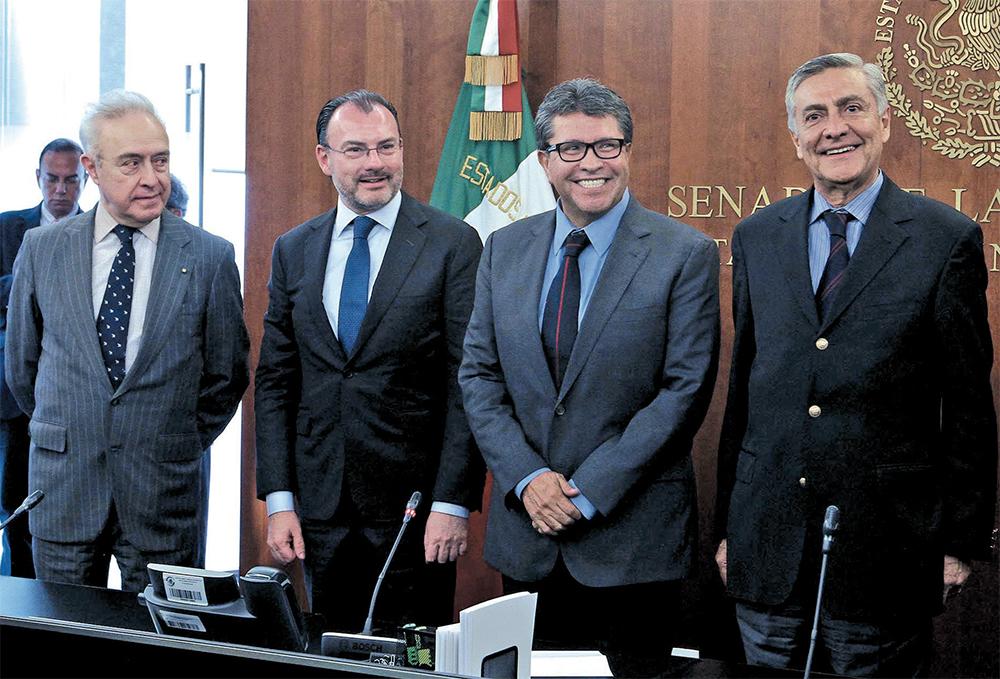 l DIÁLOGO. Luis Videgaray abordó diversos temas con integrantes del Senado de la República. Foto: Notimex
