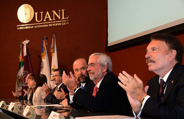 Graue destacó que es necesario reforzar la gratuidad de la educación y mejorar la seguridad.. Foto: El Heraldo de México