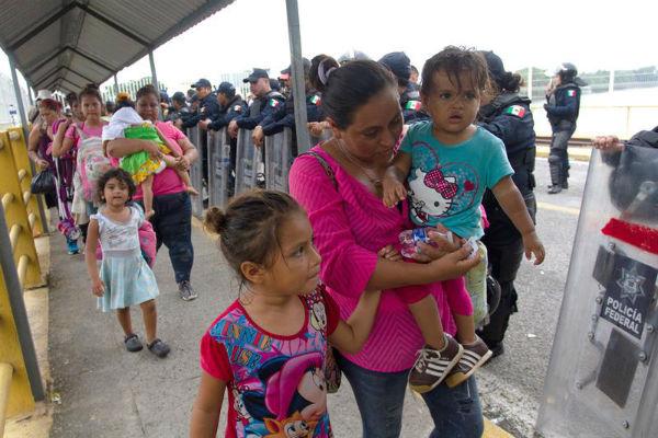 El director de atención a personas migrantes y refugiados de Suchiate, Sergio Seis Cabrera, dijo que el arribo de los hondureños
