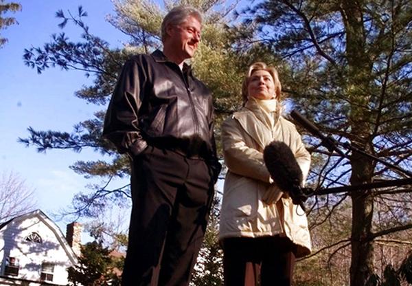 El dispositivo fue encontrado el miércoles por la mañana en el hogar de Clinton en Chappaqua, Nueva York. FOTO: AP