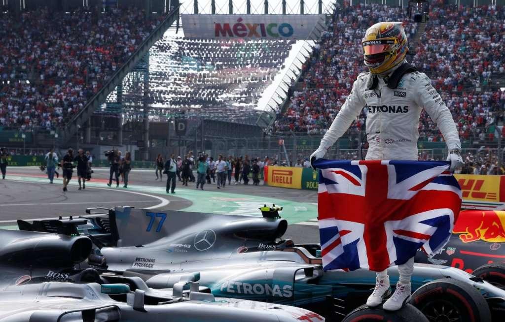 Gran Premio de México 2017  el 29 de octubre de 2017  Lewis Hamilton celebra después de ganar el Campeonato del Mundo REUTERS / Henry Romero