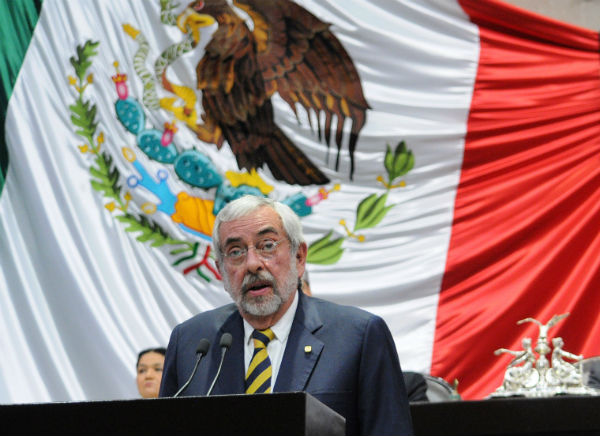 Para Graue la violencia e inseguridad en México está relacionada con las medidas que se han tomado para combatir el tráfico de estupefacientes