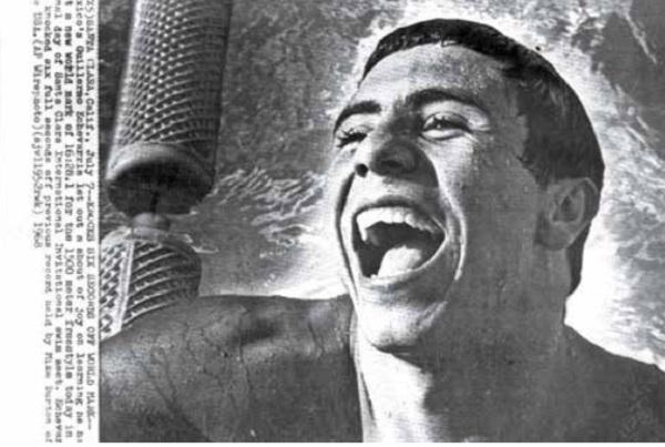 """PRESIÓN. Guillermo Echeverría, el único nadador mexicano que rompió un récord mundial, inspiró el documental """"La otra medalla"""".  Foto: @LAOTRAMEDALLA"""
