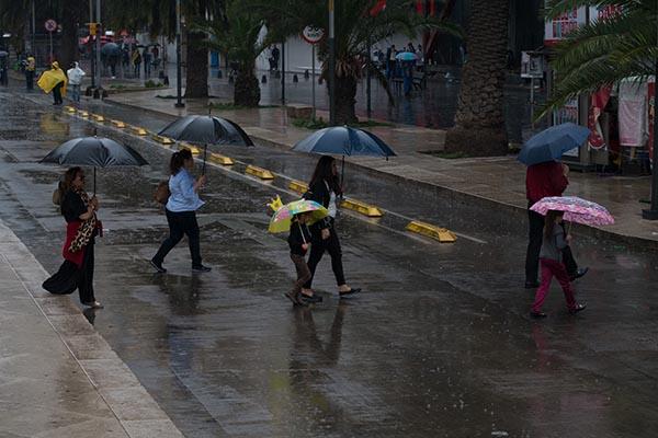 Este lunes se prevén lluvias con intervalos de chubascos en áreas de la Ciudad de México. FOTO: CUARTOSCURO