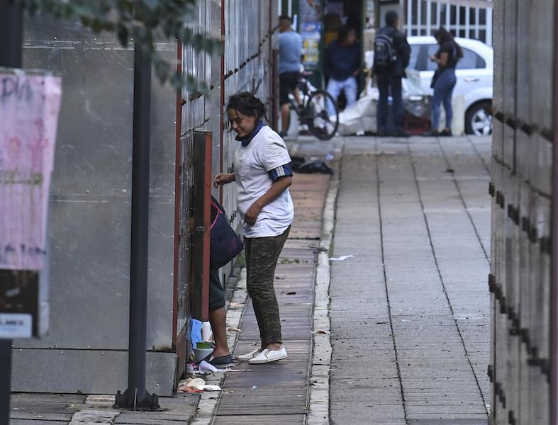Locales temporales del Mercado de Artesanías San Juan. Foto: Leslie Pérez / Heraldo de México
