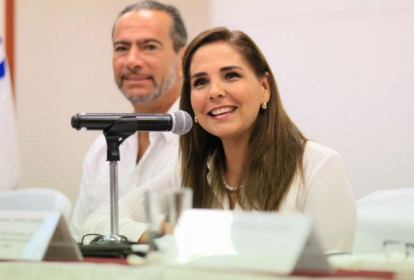 María Elena Lezama en su conferencia matutina de los lunes en Cancún. Foto: Twitter