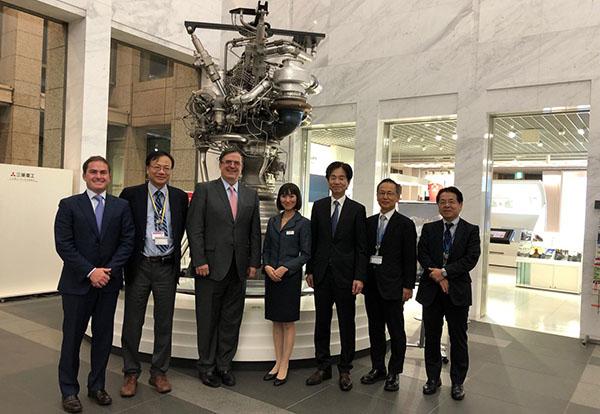 Marcelo Ebrard se reunió con el ministro de Asuntos Exteriores del Japón en Tokio, Taro Kono.  FOTO: TWITTER