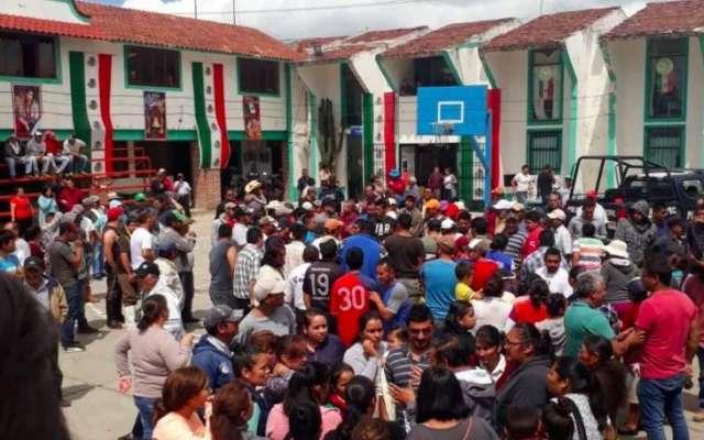 Cuatro personas fueron golpeadas y linchados por pobladores de Metepec el pasado 27 de septiembre cuando supuestamente tomaban fotografías a menores de edad en la zona,