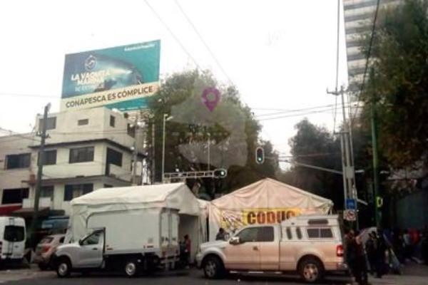También se ven afectados dos carriles de avenida Cuauhtémoc, de Miguel Laurent a Eje 7 Sur. Foto: @OVIALCDMX