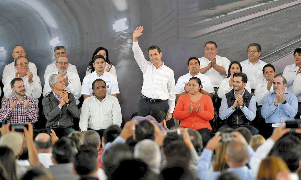 Por la mañana, el mandatario entregó la obra del Túnel Emisor Poniente en Edomex. Foto Especial