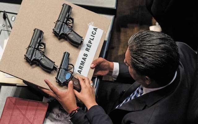 Entre los delitos se encuentra el uso de armas exclusivas de las Fuerzas Armadas. FOTO: ARCHIVO/ CUARTOSCURO