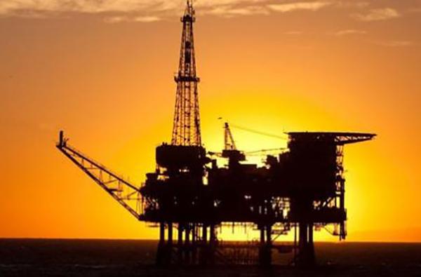 Crece conflicto por plataformas petroleras de Oro Negro
