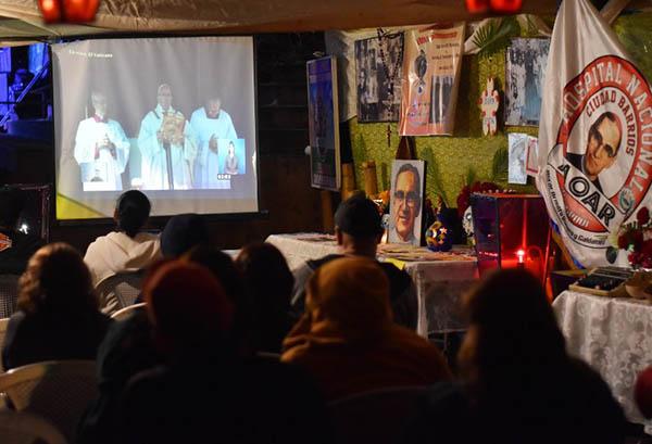 Tanto Romero como Pablo VI representan las contradicciones y las dificultades que vivió la Iglesia del siglo XX.  FOTO: AFP