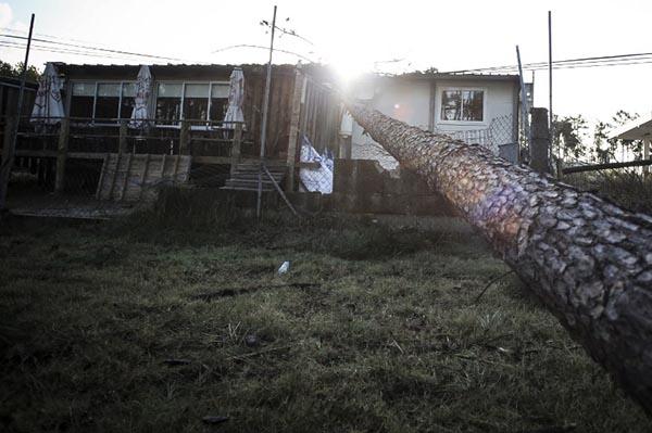 El huracán, que erraba por el océano Atlántico desde el 23 de septiembre, se degradó a tormenta postropical en las primeras horas del domingo.  FOTO: AFP