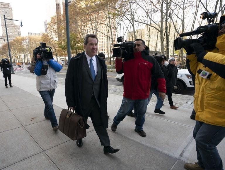 Jeffrey Lichtman, abogado de Joaquín Guzmán, ayer, al arribar al juzgado.  Foto: AFP.
