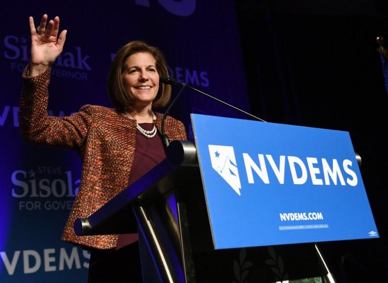 Catherine Cortez Masto (D-NV) habla en la fiesta de los resultados electorales del Partido Demócrata de Nevada en el Caesars Palace. Foto: AFP