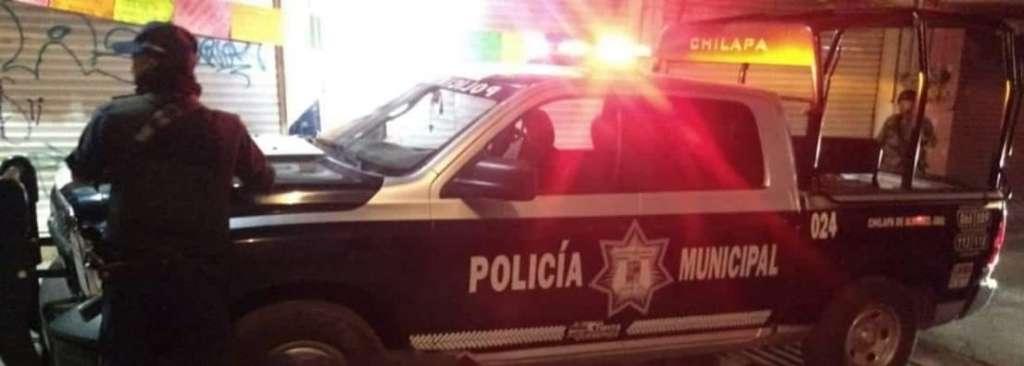 Integrantes de diferentes corporaciones de seguridad encontraron a los uniformados lesionados.