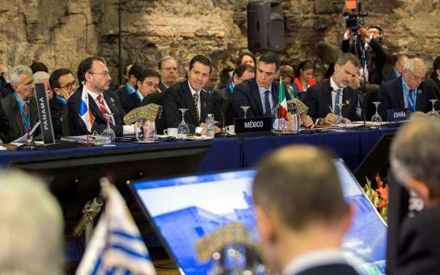 Peña Nieto recalcó que el migrante tiene responsabilidades. FOTO; NOTIMEX