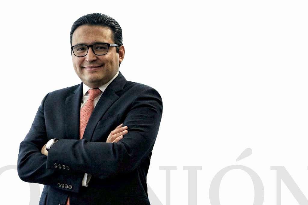 Bernardo González Rosas / Presidente de la Comisión Nacional Bancaria y de Valores / Heraldo de México