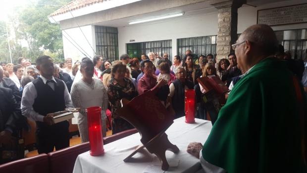 Issac decidió casarse en la Parroquia de Nuestra Señora de la Asunción con Janet