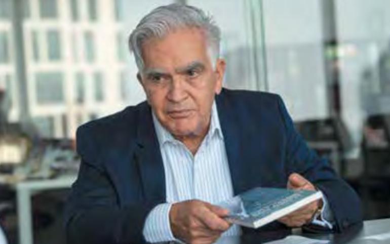 El especia- lista cuenta en su libro lo que tuvo que sortear para perseguir a funcionarios acusados de corrupción. Foto: Edgar López / Heraldo de México.