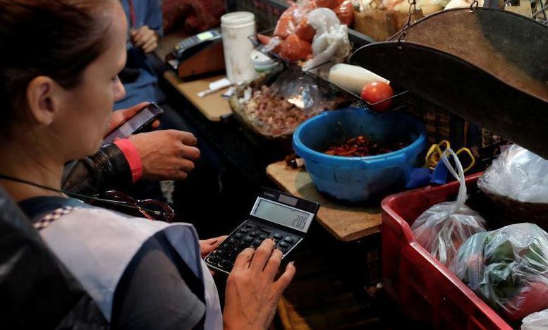La hiperinflación y la falta de suministros han agravado el hambre en Venezuela. Foto: Reuters