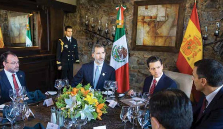Peña Nieto almorzó con Felipe VI y el presidente del Gobierno español, Pedro Sánchez.