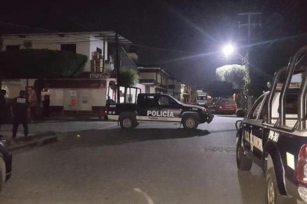 Otros dos policías resultaron heridos. FOTO: ESPECIAL