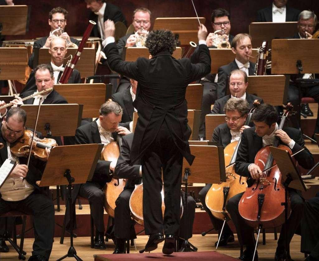 ÉXITO. El músico es director de la Orquesta Filarmónica de Los Ángeles y de la Orquesta Sinfónica Simón Bolívar. Foto: Especial