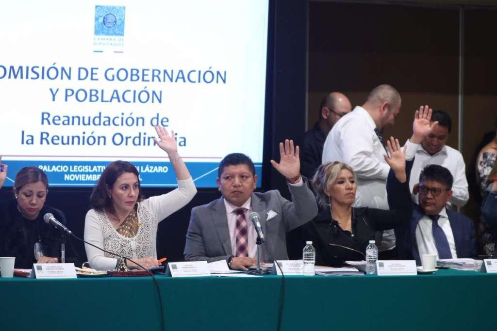 También facultan al presidente a crear comisiones de investigación por decreto para esclarecer casos como la desaparición de 43 normalistas de Ayotzinapa