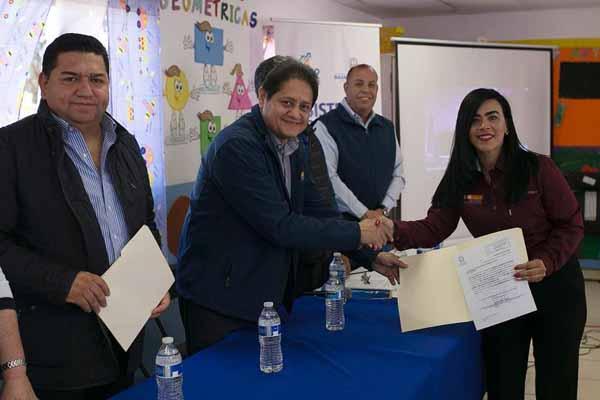 Baja California se convierte en el primer estado en otorgar plazas docentes definitivas a hijos de jornaleros agrícolas. FOTO: ESPECIAL