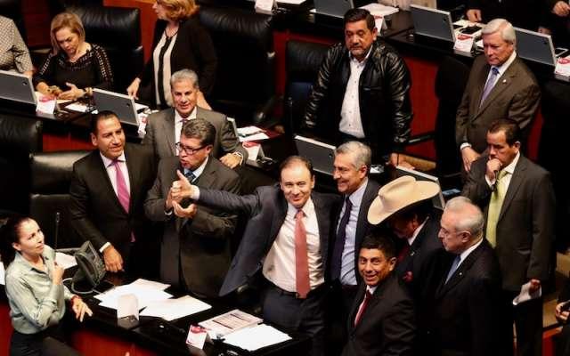 El Pleno del Senado aprobó la licencia de Alfonso Durazo y tomó protesta al empresario sonorense Arturo Bours Griffith. Foto: Cuartoscuro.