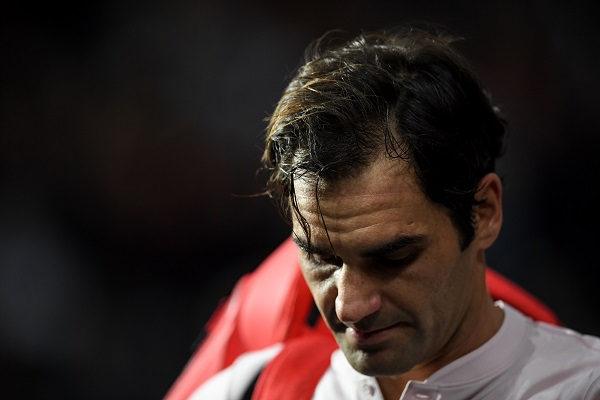 Después de casi tres horas de partido a un ritmo muy intenso, Federer mostró cansancio y cometió varios errores en el set decisivo. Foto: AFP