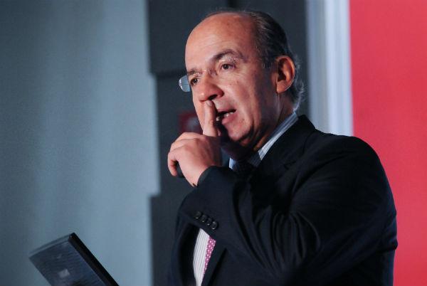 Felipe Calderón respondió en Twitter que no recibió sobornos Foto: Cuartoscuro