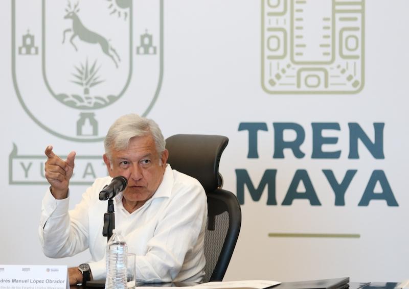 Andrés Manuel Lopez Obrador, presidente electo de Mexico el pasado 12 de noviembre  en reunió con gobernadores del sureste e integrantes de su gabinete para coordinar el proyecto del Tren Maya. FOTO: SAÚL LÓPEZ /CUARTOSCURO.COM