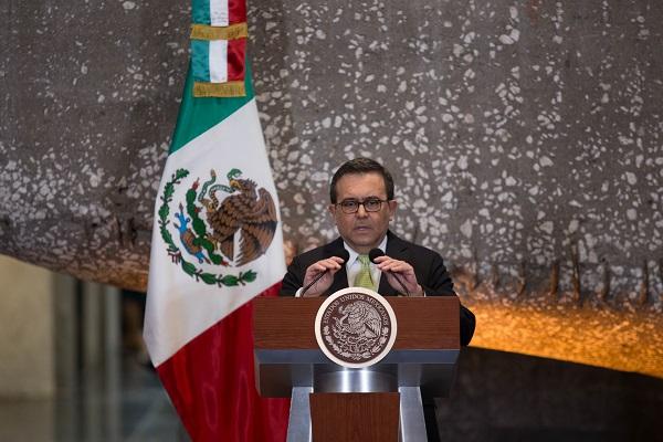 Confía en que el futuro Presidente de México, Andrés Manuel López Obrador, pregunte a los legisladores ¿ qué es lo mejor o peor para México?. Foto: Cuartoscuro
