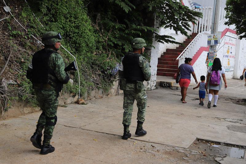 Vigilancia de elementos de la policía municipal y ejército mexicano en el estado de Guerrero. FOTO: BERNANDINO HERNÁNDEZ / CUARTOSCURO.COM