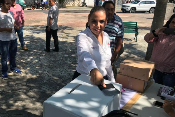 Las casillas en Cancún contaron con mil 800 boletas. FOTO: ESPECIAL