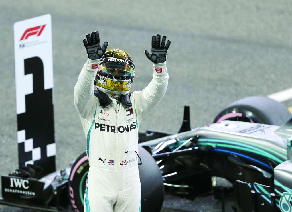 CONSTANCIA. El británico quiere su undécima victoria con Mercedes en el presente año. Foto: AP