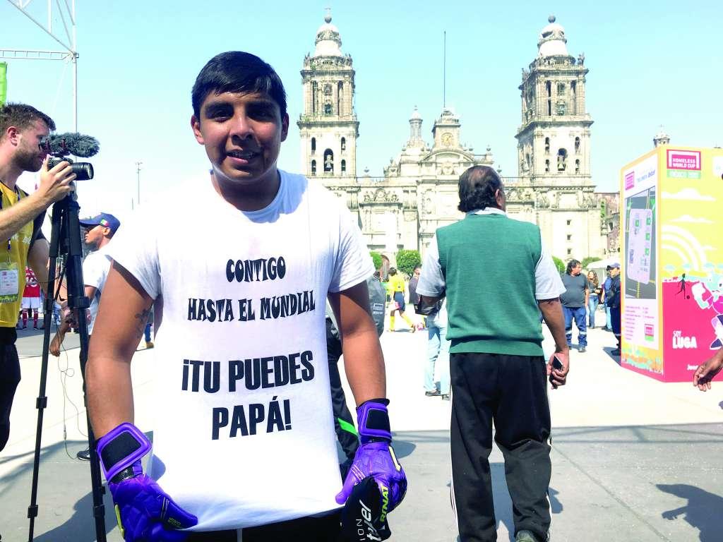 REGALO. El portero Mendoza tiene en su hija, que está por nacer, su inspiración en el Mundial. Foto: ALEXIS HERNÁNDEZ